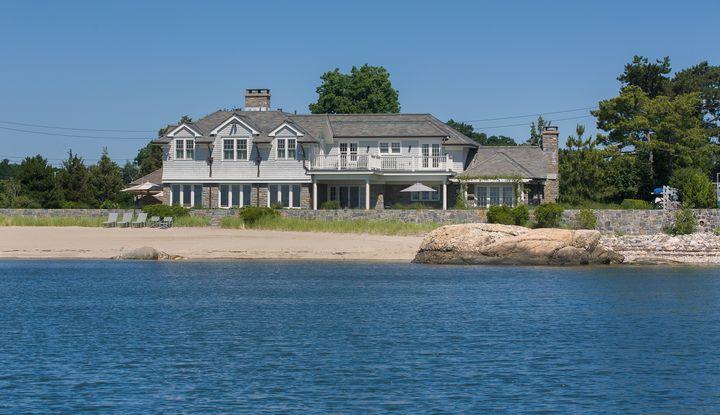 6 Island Drive - Image 1