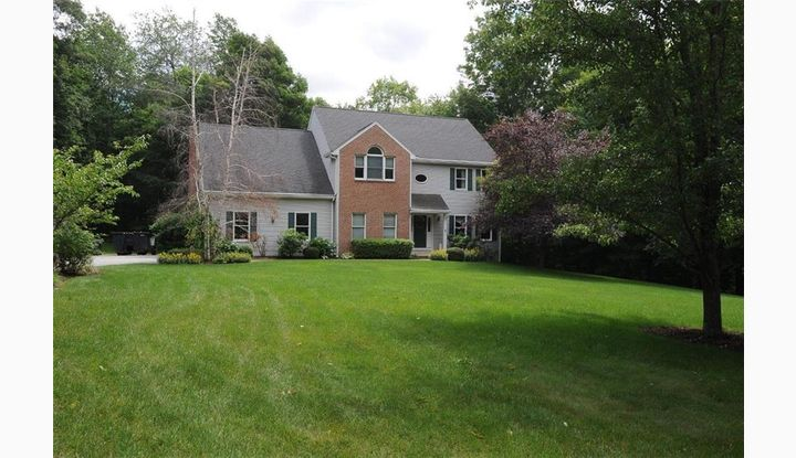 27 Emerald Glen Rd Salem, CT 06420 - Image 1