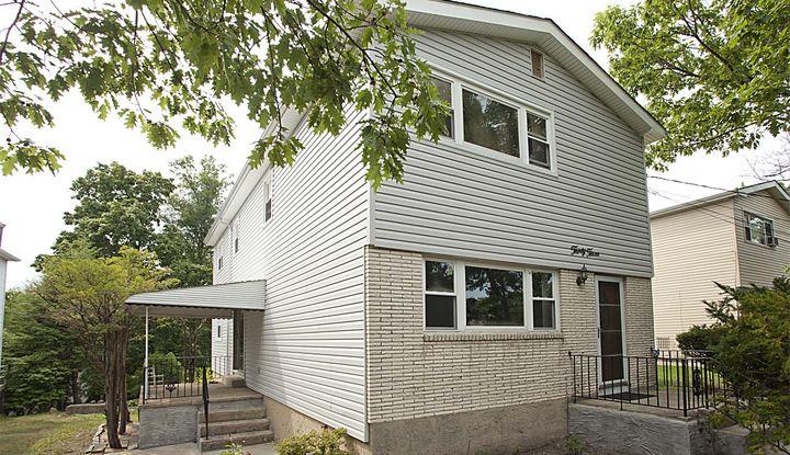 33 Hillcrest Avenue - Image 1