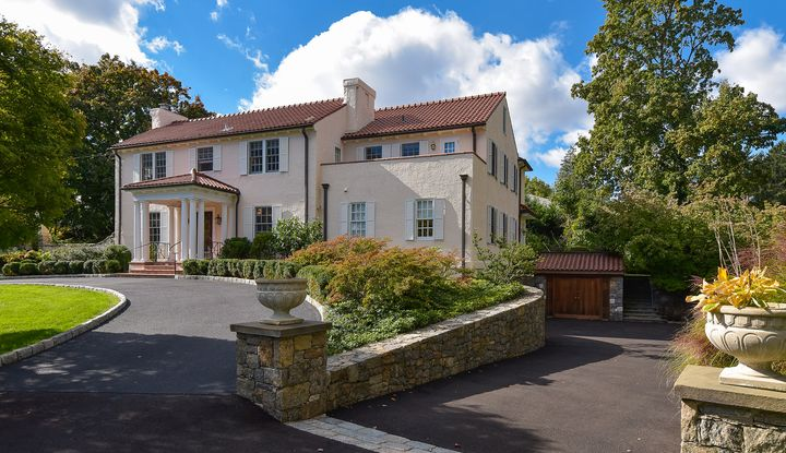 17 Courseview Road - Image 1