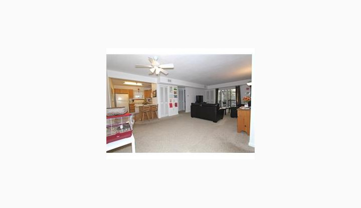905 Twin Circle Dr #905 S Windsor, CT 06074 - Image 1