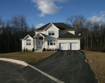 Photo of 15 KNOLL CT