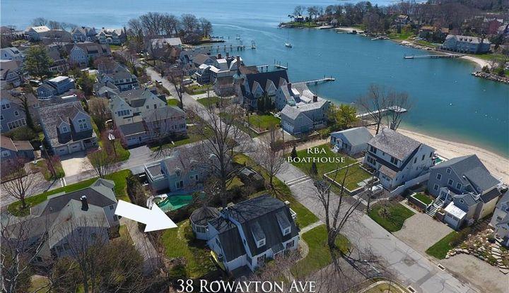 38 Rowayton Avenue - Image 1