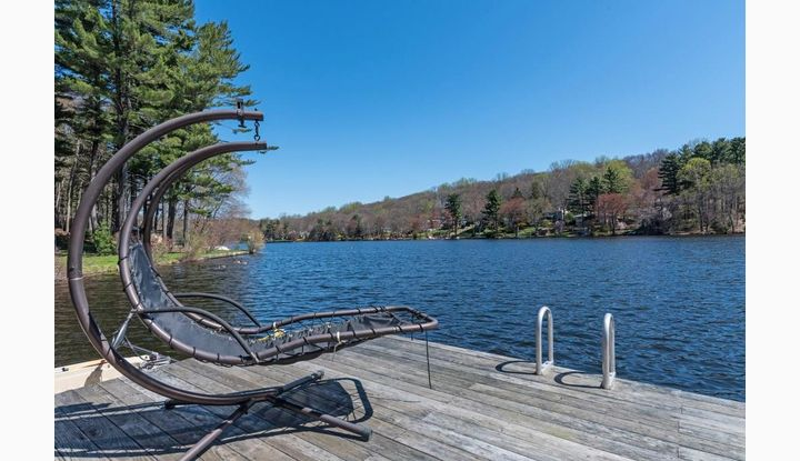 82 Old Dike Rd Trumbull, CT 06611 - Image 1
