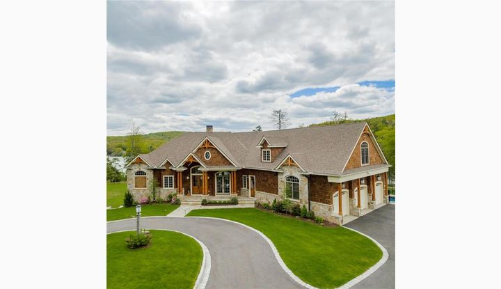 31 Fiddlehead Rd Oxford, CT 06478 - Image 1