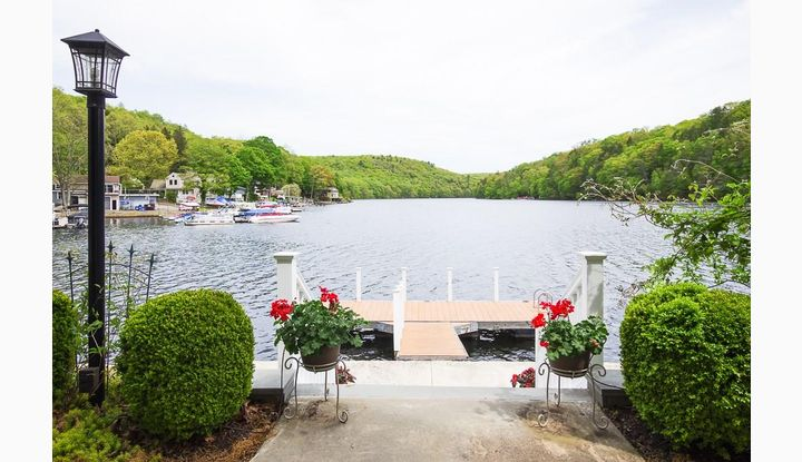 111 Lakemere Dr Southbury, CT 06488 - Image 1