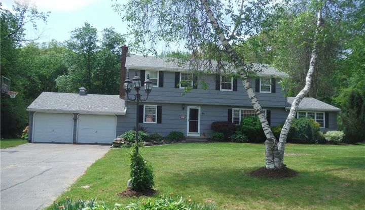 46 Rolling Green Road - Image 1