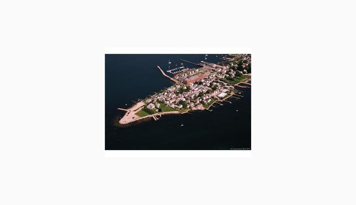 17 Hancox St Stonington, CT 06378 - Image 1