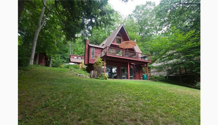 95 Lakeside Dr Eastford, CT 06242 - Image 1