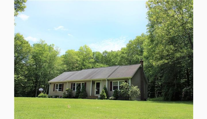 86D Whippoorwill Hollow Rd Franklin, CT 06254 - Image 1