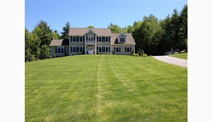 31 Garrett Ridge Ct New Hartford, CT 06057 - Image 1
