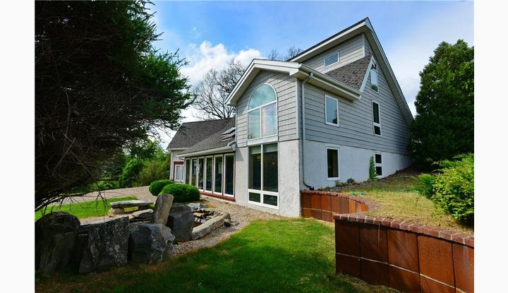25 Searles Rd Pomfret, CT 06259 - Image 1