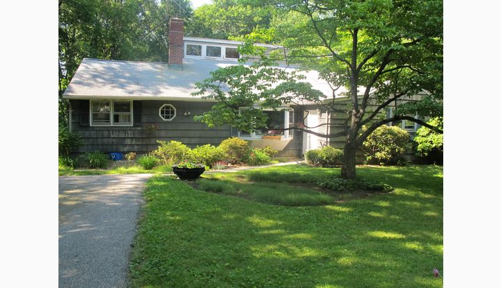 539 Main Street New Canaan, CT 06840 - Image 1