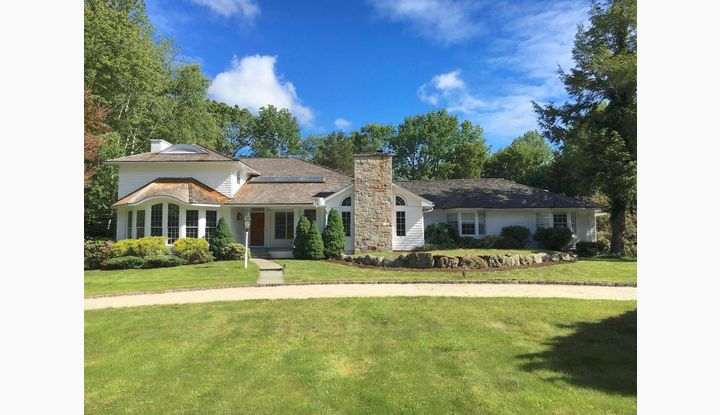 85 West Hills Road New Canaan, CT 06840 - Image 1