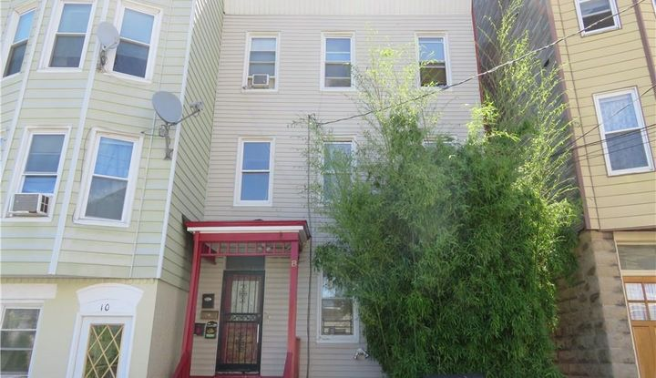 8 Mulberry Street - Image 1