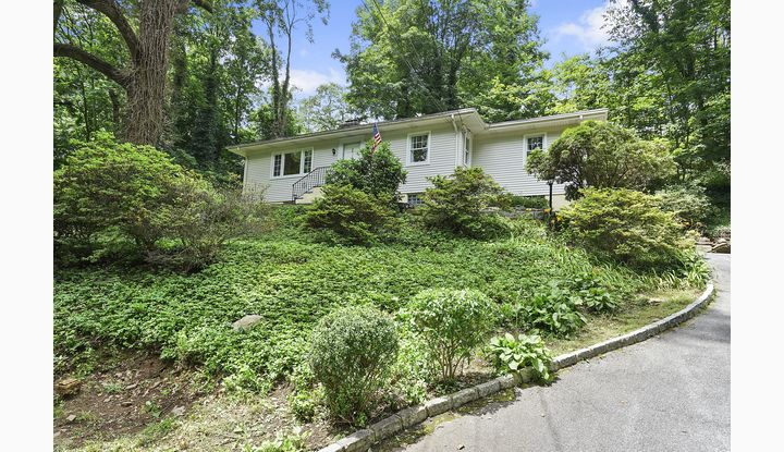 985 Scarsdale Road Scarsdale, NY 10583 - Image 1