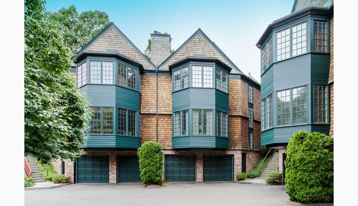33 Mead Street #33 New Canaan, CT 06840 - Image 1