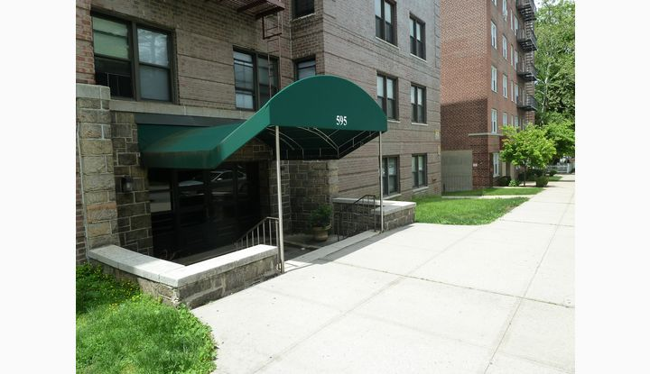 595 McLean Avenue 5H Yonkers, NY 10705 - Image 1