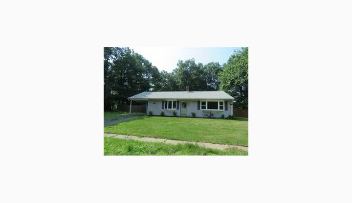 27 Eagle Ct E Hartford, CT 06118 - Image 1