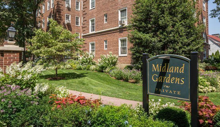 2 Midland Gardens 5D - Image 1