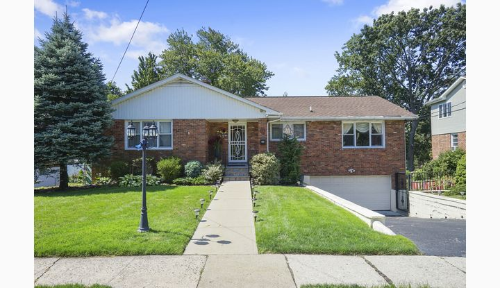 86 Durst Place Yonkers, NY 10704 - Image 1