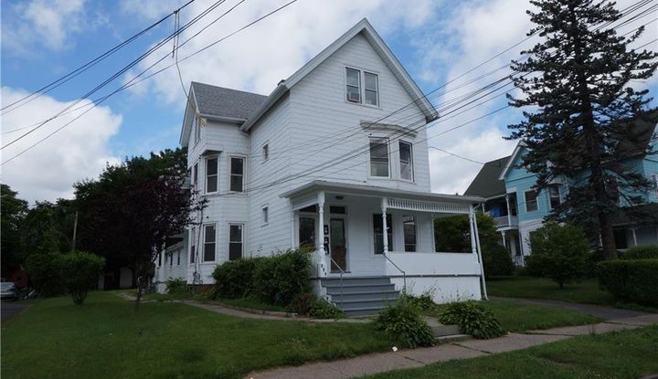 231 Maple Street - Image 1