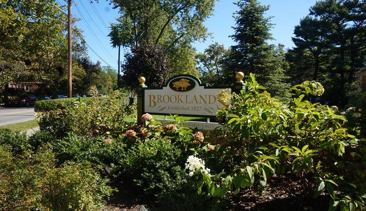 12 Brooklands 1M - Image 1