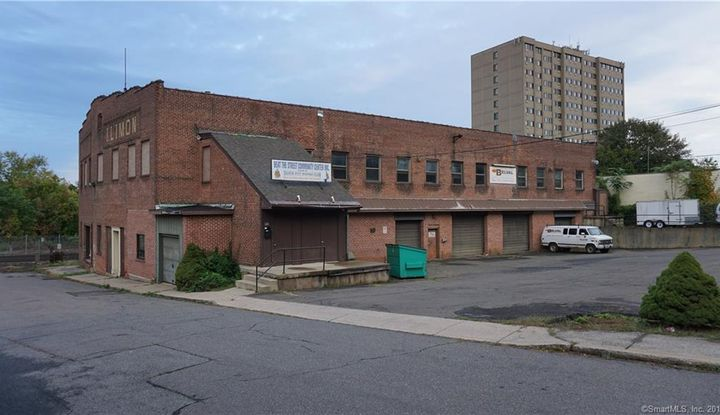 119 South Colony Street - Image 1