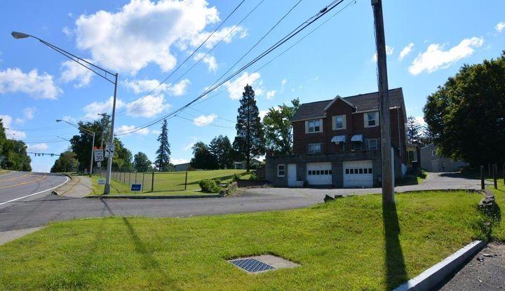 692 Delaware Av - Image 1