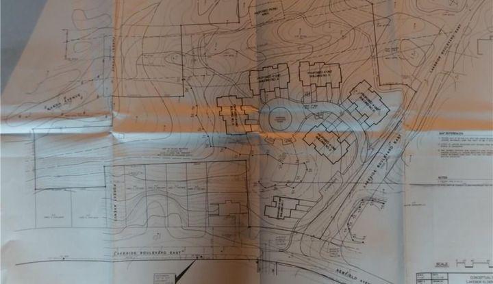 341 Lakeside Boulevard East - Image 1