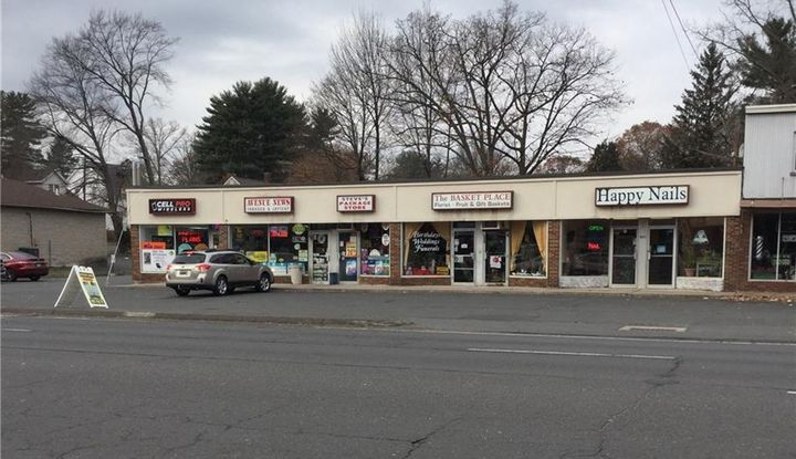 823 Farmington Avenue North - Image 1