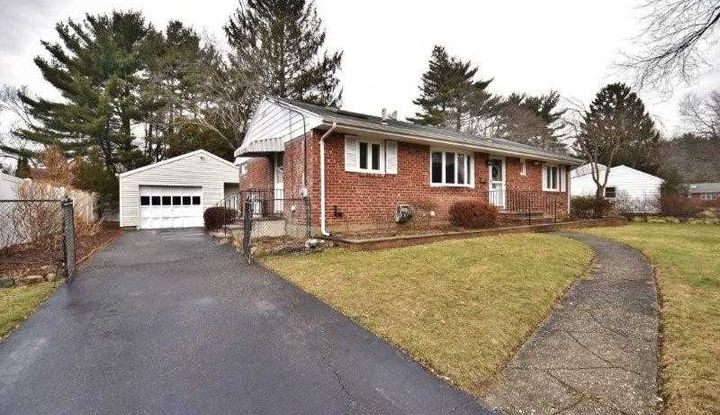 5 Bromley Pl - Image 1