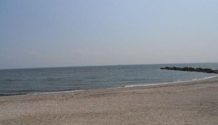 138 West Beach Drive - Image 1