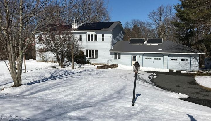 87 Mountain View Rd - Image 1