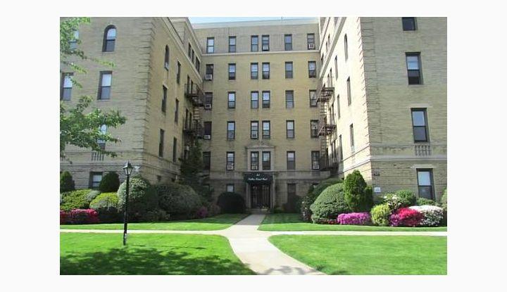 43 Calton Road 4F New Rochelle, NY 10804 - Image 1