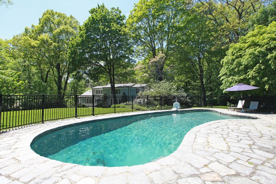 45 Midwood Road Greenwich, CT 06830 -Image 2