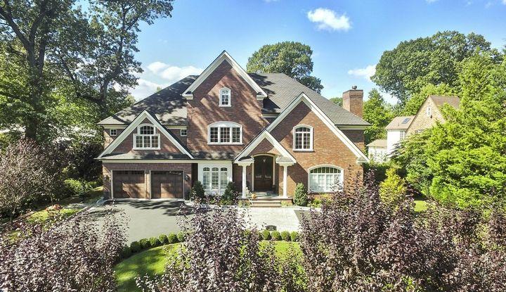 1329 Manor Circle - Image 1