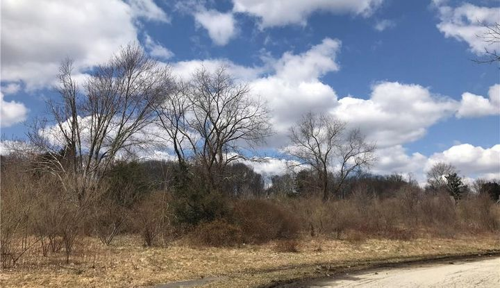 2 Westledge Drive - Image 1