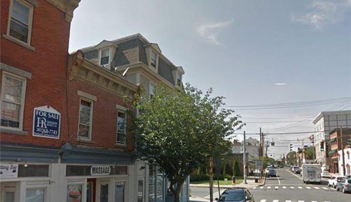 410 Howe Avenue - Image 1