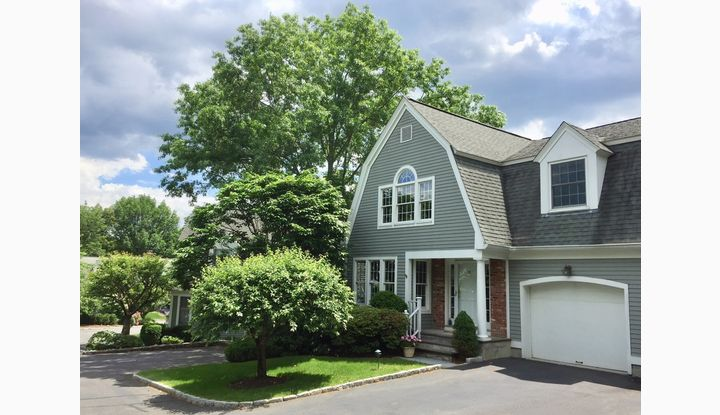 19 Lakeview Avenue #19 New Canaan, CT 06840 - Image 1