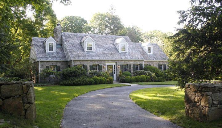 371 Rowayton Avenue - Image 1
