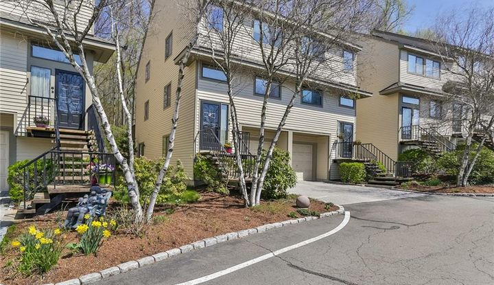 2435 Bedford Street 7A - Image 1