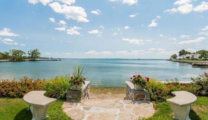 122 Dolphin Cove Quay - Image 1