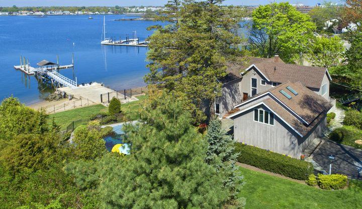 115 W Ocean Drive - Image 1