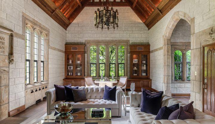 15 Reynwood Manor - Image 1