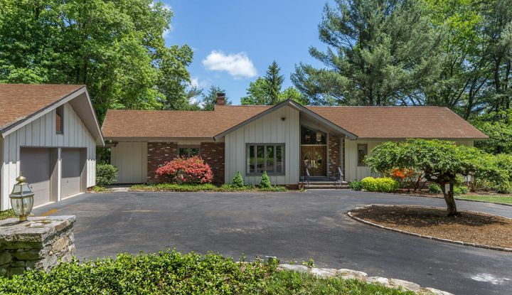 309 Round Hill Road - Image 1