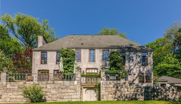 28 West Chestnut Hill Road - Image 1