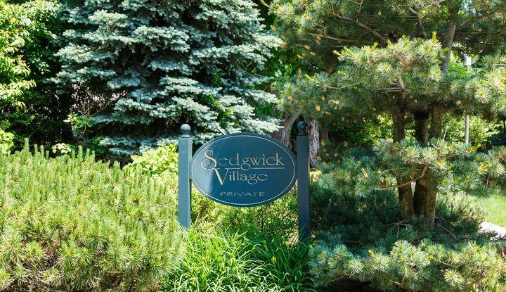 42 Sedgewick Village Lane - Image 1