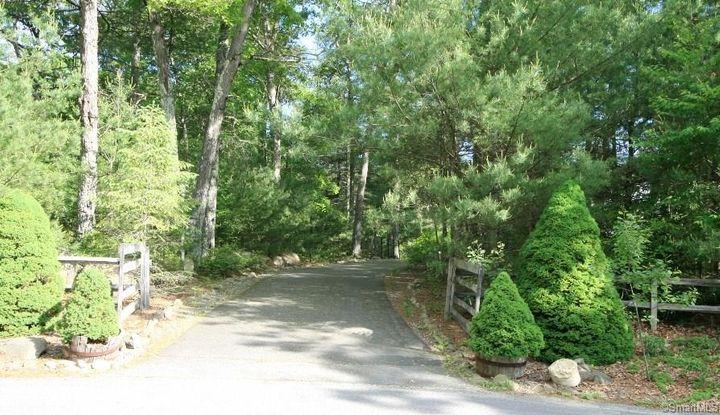84 Hi Top Hill Road - Image 1