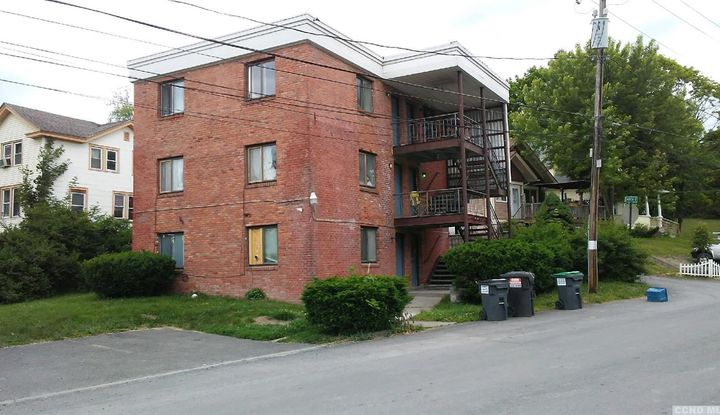 6631 Chester Ave - Image 1